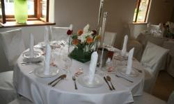Gedeckter Restaurant-Tisch