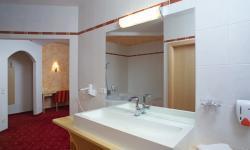 Moderne Bad im Hotel zum grünen Baum, St. Valentin