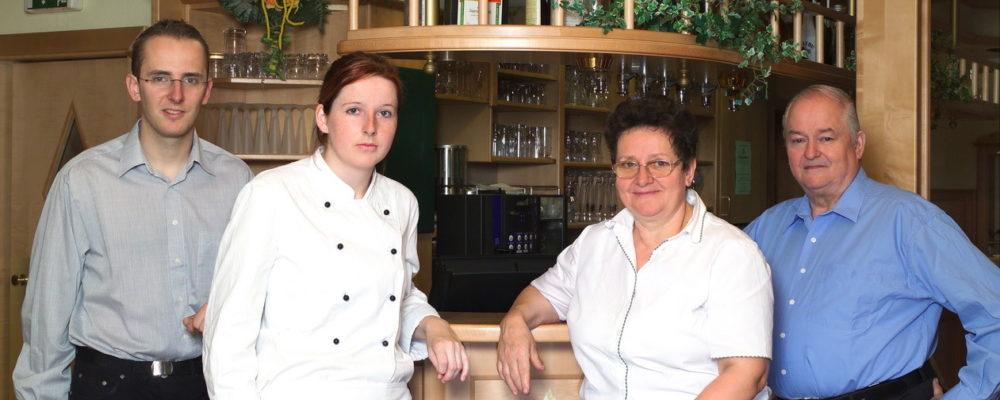 Das Team im Restaurant Hotel zum grünen Baum in Niederösterreich